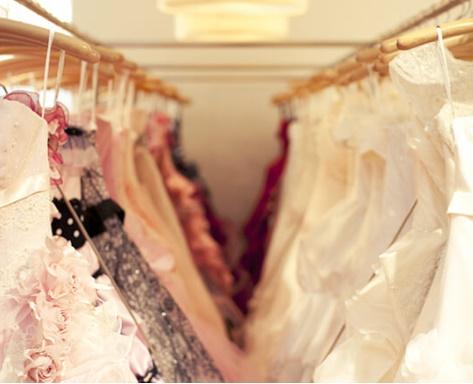ウェディングドレスや舞台衣装
